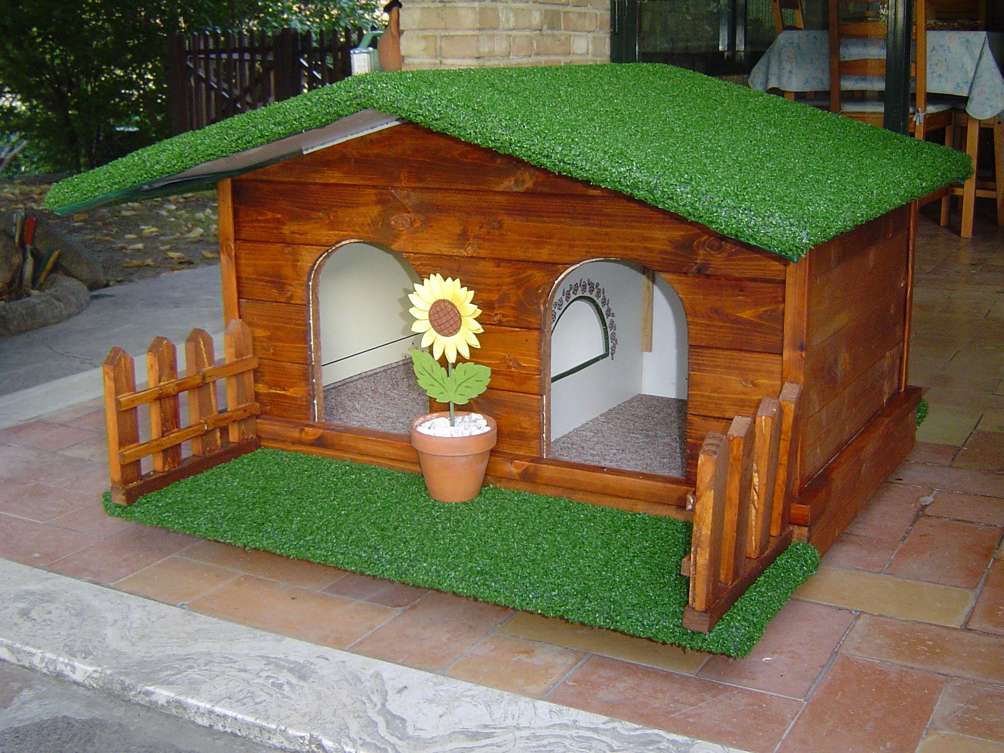 Arredare e decorare le cucce per cani da esterno for Cucce per cani da esterno coibentate